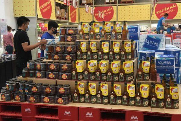Mật ong bày bán ở siêu thị Aeon