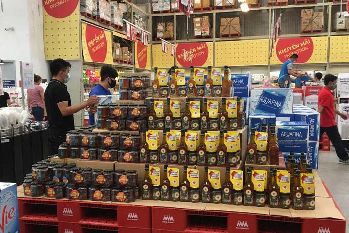 Mật ong Honimore được bán ở Mega Market