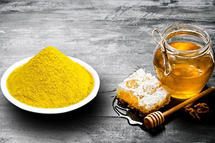 Tinh bột nghệ và mật ong